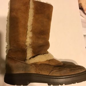 Ugg boots size 8 w
